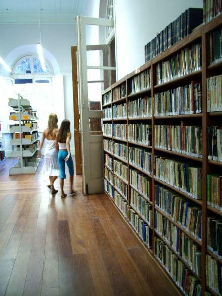 Public Libraries Under Threat